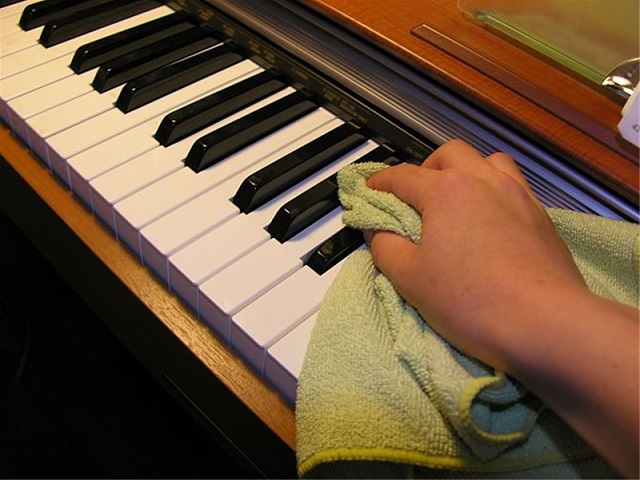 Làm sạch đàn piano
