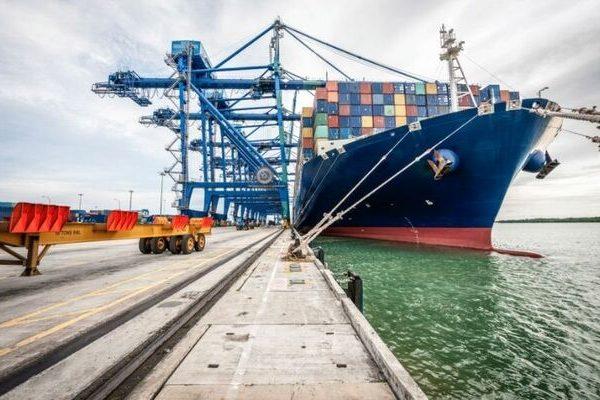 Tra cứu vị trí container trên tàu để làm gì