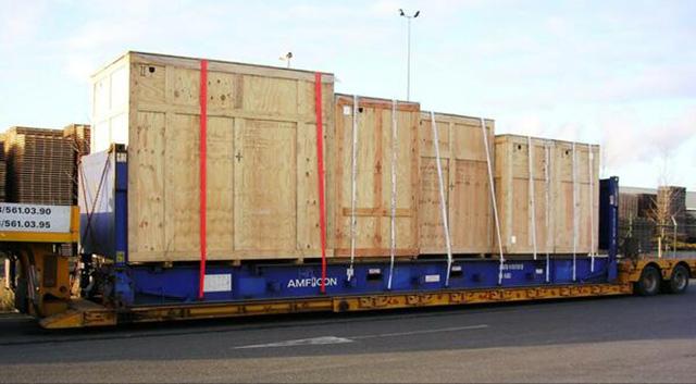 Giá cước vận chuyển hàng hóa nặng cồng kềnh